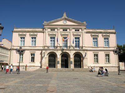 El Ayuntamiento de Palencia propone a la Comisión de Hacienda la incorporación al Presupuesto de 2018 la cantidad de 848.330 euros para un Plan Especial de Aglomerados y la rehabilitación de la cubierta del Lecrác
